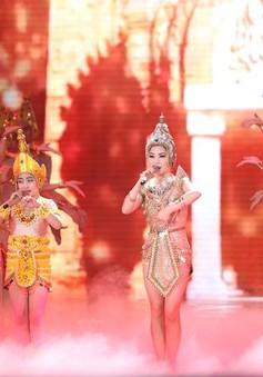 """The Remix - Hòa âm ánh sáng: Hương Tràm - Hồng Minh khoe giọng """"khủng"""""""