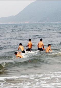 Nước biển 8 bãi tắm ở Hà Tĩnh an toàn