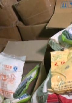 Phát hiện hơn 4 tấn nguyên liệu, phụ gia làm bim bim không rõ nguồn gốc