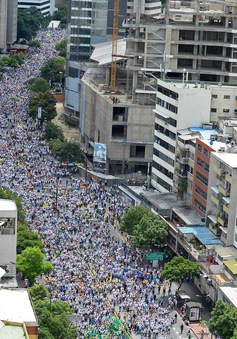 Một triệu người dân Venezuela xuống đường đòi tổng thống từ chức