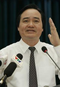 Bộ trưởng Bộ GD&ĐT đang trả lời chất vấn Quốc hội