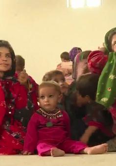 Pakistan đối mặt nguy cơ khủng hoảng trẻ thấp còi do không được bú sữa mẹ