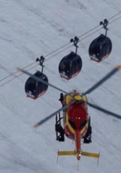Trung Quốc giải cứu hơn 200 hành khách kẹt trên cáp treo