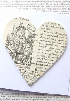 Tận dụng sách báo cũ để làm đồ handmade cực xinh
