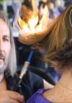 Cắt tóc bằng kiếm và lửa - Bạn có dám thử?