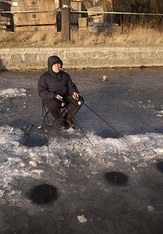 Trung Quốc bước vào mùa câu cá trên băng