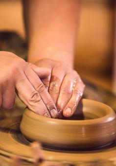 Đào tạo nguồn nhân lực chất lượng cao cho làng nghề gốm