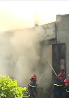 Cháy lớn trong khu dân cư tại Long An
