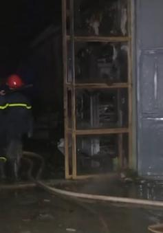 Hà Nội: Cháy lớn xưởng sản xuất ghế nệm trong đêm, thiệt hại khoảng 10 tỷ đồng