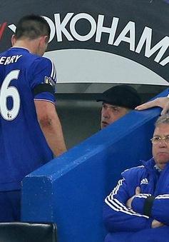 Terry vắng mặt, Chelsea khủng hoảng hàng thủ trước đại chiến với PSG