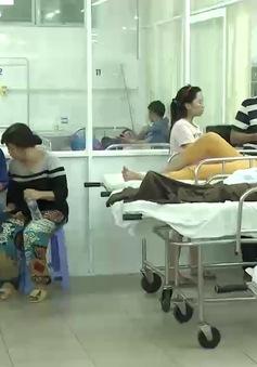 VIDEO: Những hình ảnh đầu tiên về công tác cấp cứu nạn nhân vụ lật tàu trên sông Hàn