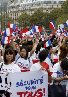 Cộng đồng người Hoa tại Paris biểu tình đòi an ninh
