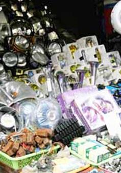 Những chiêu trò móc túi khách hàng tại chợ Trời