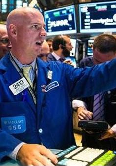 """Giá dầu liên tục giảm, chứng khoán Mỹ """"rung lắc"""" mạnh"""
