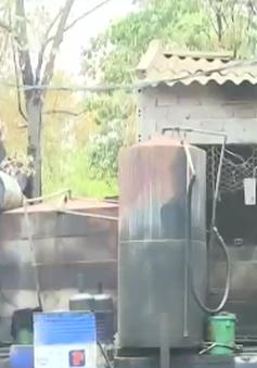 Thanh Hóa: Phát hiện cơ sở tái chế dầu nhờn không phép