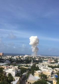 Đánh bom kép gần sân bay ở Somalia, ít nhất 13 người thiệt mạng