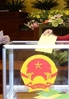 Quốc hội chính thức miễn nhiệm 2 Phó Thủ tướng và 18 thành viên Chính phủ
