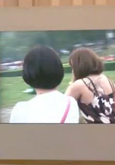 Tràn ngập hình ảnh phản cảm tại Lễ hội Đền Hùng