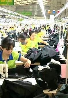 Oxfam: Gánh nặng thuế đang đặt lên nhóm thu nhập thấp hơn tại Việt Nam