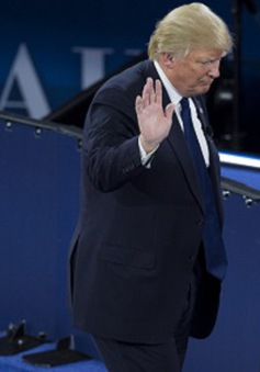 Ông Donald Trump bị cáo buộc vi phạm lệnh cấm vận Cuba
