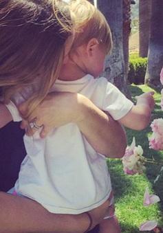 Drew Barrymore: Làm mẹ giúp tôi tốt hơn