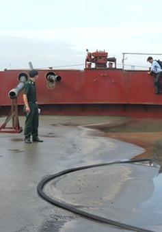 Bắt thuyền hút cát trái phép trên sông Đồng Nai