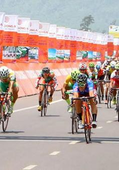 Giải đua xe đạp Cúp Truyền hình: VUS TP.HCM bứt phá giành Áo vàng