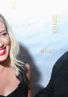 Hilary Duff hết lời khen ngợi bạn trai mới