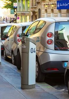 Xe điện tăng trưởng nhanh, dòng vốn đầu tư đổ mạnh vào các công ty khai thác Lithium