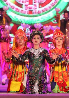 Xem lại lễ khai mạc Festival Huế 2016: Rực rỡ và quyến rũ