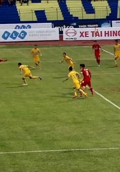 VIDEO V.LEAGUE 2016: Ivan Firer dứt điểm kỹ thuật tung lưới đội bóng cũ!