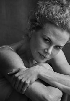 Không sợ xấu, Nicole Kidman, Julianne Moore không trang điểm xuất hiện trên Pirelli 2017