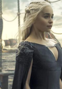 """Đây là cách """"mẹ Rồng"""" Emilia Clarke chia tay Game of Thrones"""