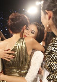 Hoa khôi áo dài Việt Nam: Thiếu cá tính, Thùy Vân chia tay Lâu đài sắc đẹp