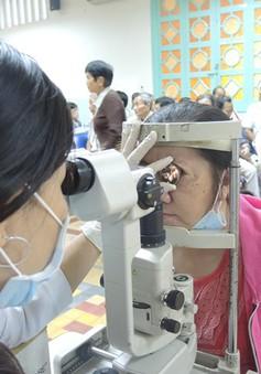 Nguy cơ mù loà từ biến chứng bệnh mãn tính