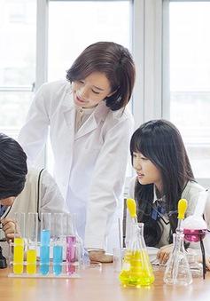 Hàn Quốc: Học sinh thích trở thành nhà khoa học hơn là ngôi sao nhạc pop
