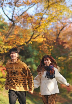 """Ngất ngây với những cảnh quay lãng mạn trong MV """"Gọi tên em"""" của Min"""