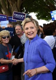 FBI có thể phạm luật khi tái điều tra bê bối email của bà Clinton
