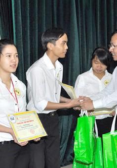 Xét cấp 400 suất học bổng khuyến tài Phạm Văn Đồng cho sinh viên