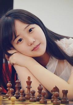 Thiếu nữ xinh như Kim Hee Sun gây sốt làng cờ vua Trung Quốc