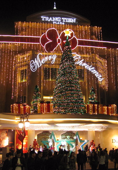 Hà Nội đẹp lung linh trong dịp Giáng sinh