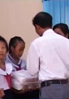 TT-Huế: Hàng nghìn học sinh được đến trường nhờ quỹ khuyến học