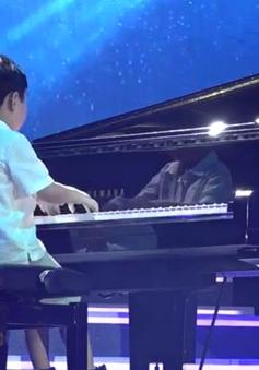 Café Sáng với VTV3: Thần đồng Evan Le làm say lòng khán giả trong đêm Giáng sinh