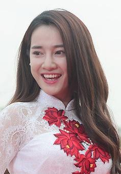 """Ngắm loạt ảnh duyên dáng khiến Nhã Phương """"đốn tim"""" người Hàn"""