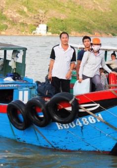 """Mối nguy từ những bến đò """"3 không"""" ở Bình Định"""