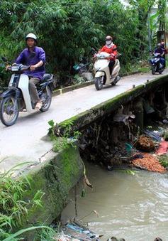 Đồng Nai: Nước lũ lớn cuốn một thanh niên xuống suối