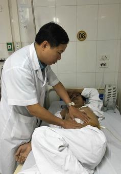 Ghép thận tự thân hy hữu cho bệnh nhân bị tai nạn vỡ thận
