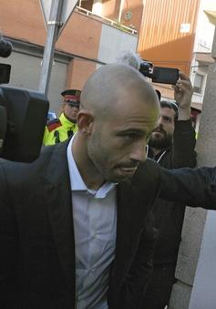 """Messi và những ngôi sao """"quần đùi áo số"""" từng dính bê bối trốn thuế"""