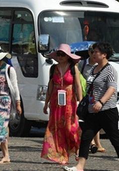 """Núp bóng du khách, người Trung Quốc tổ chức du lịch """"chui"""" tại Khánh Hòa"""