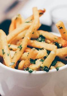10 loại thực phẩm cần tránh để có bụng phẳng bạn hằng mơ ước